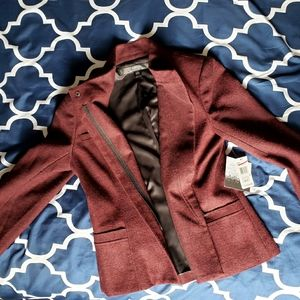 Kensie fitted cropped zipper jacket. 3/4 sleeve.